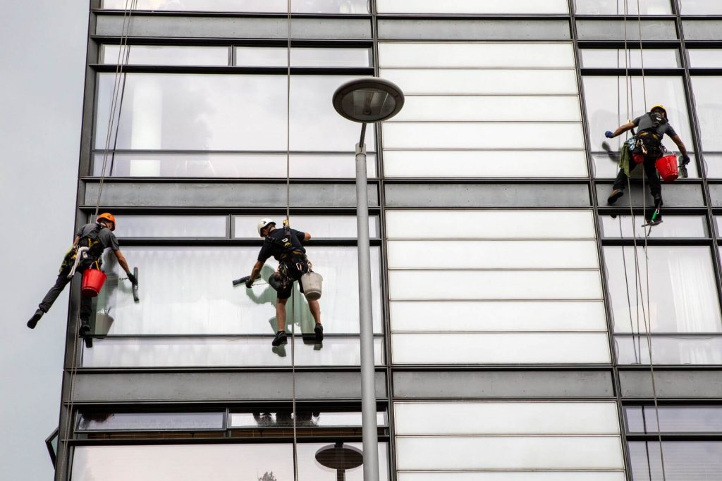 When to Use Rope Access Window Cleaning?